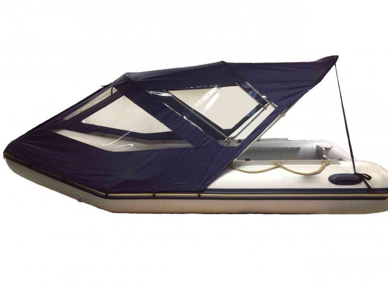 Лодка с тентом